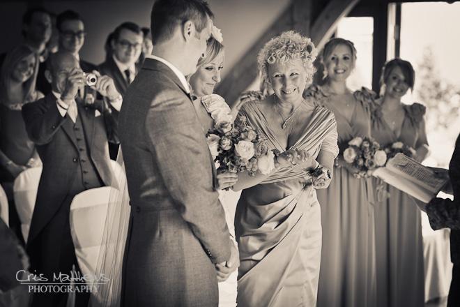 Sandhole Oak Barn Wedding Photography (11)