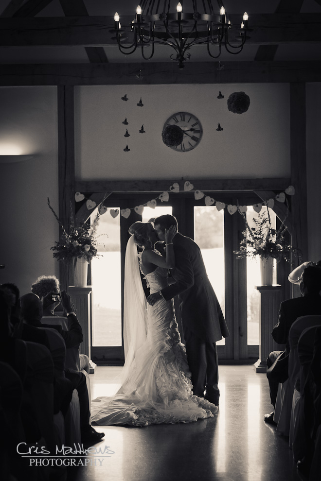 Sandhole Oak Barn Wedding Photography (14)