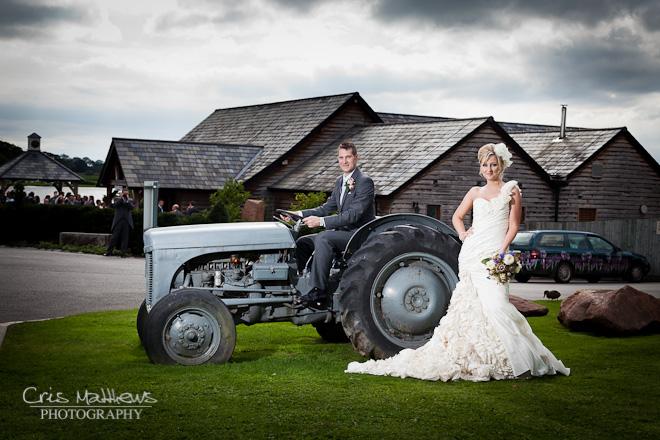 Sandhole Oak Barn Wedding Photography (25)