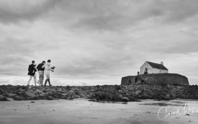 Hannah & Ollie – St Cwyfan's Wedding – Anglesey Church in the Sea